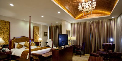 Hyderabad (with Hotel + Cab + Breakfast) Packages